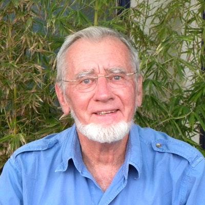 portrait photo of Alan Root