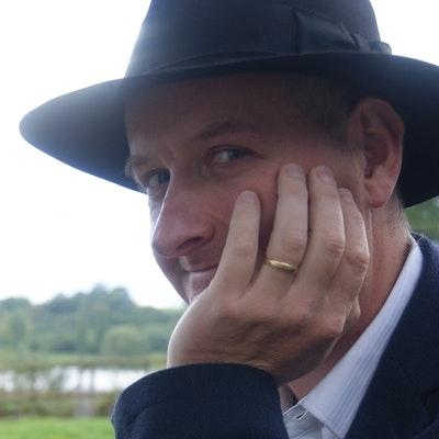 portrait photo of Ian Mortimer