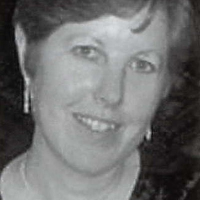 portrait photo of Linda Newbery
