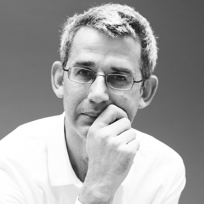 portrait photo of Edmund de Waal
