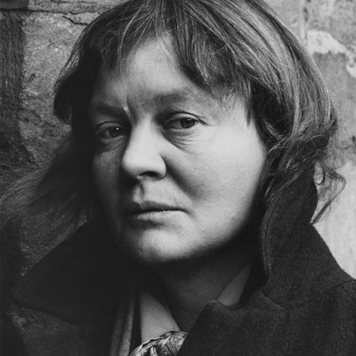 portrait photo of Iris Murdoch