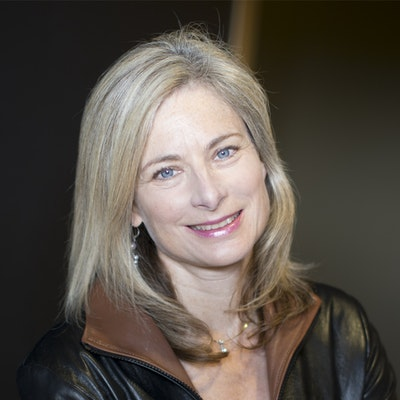 portrait photo of Lisa Randall