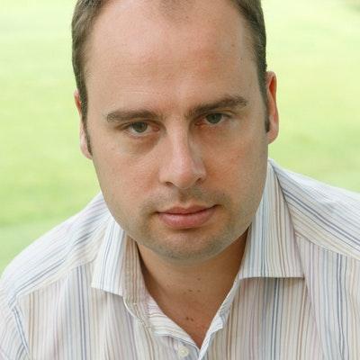 portrait photo of Dan Waddell