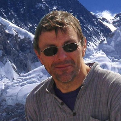 portrait photo of Graham Ratcliffe
