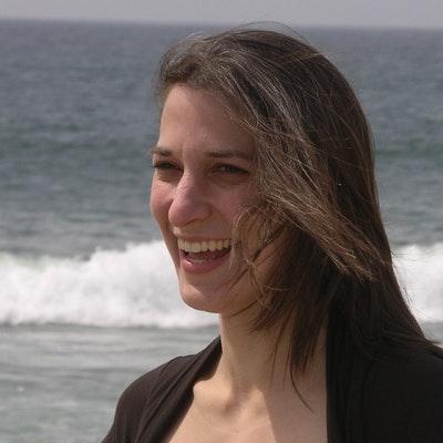 portrait photo of Lee McGovern (nee Carr)