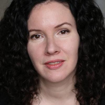 portrait photo of Catherine Phipps