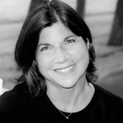 portrait photo of Anna Quindlen