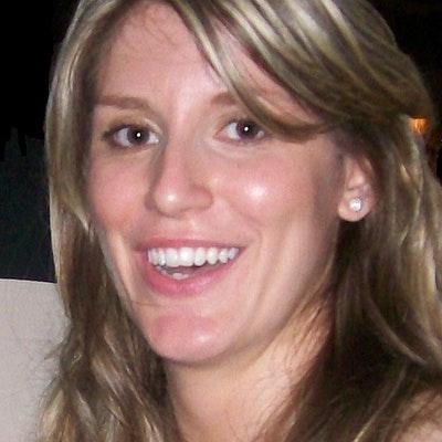 portrait photo of Ellie Irving