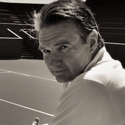 portrait photo of Jimmy Connors