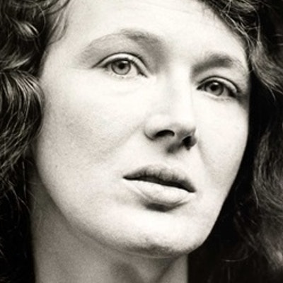 portrait photo of Angela Carter