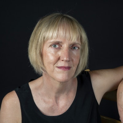portrait photo of Jean Sprackland