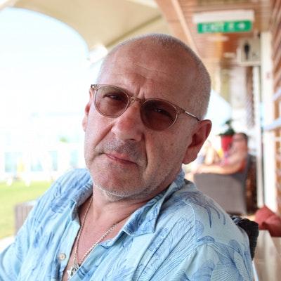 portrait photo of Tony Bleetman