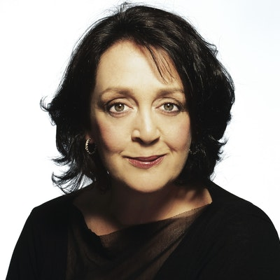 portrait photo of Wendy Harmer