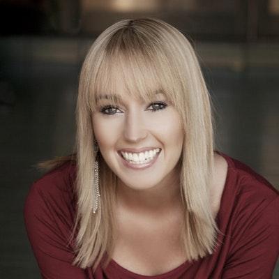 portrait photo of Jessica Owers