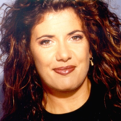 portrait photo of Rachael Oakes-Ash