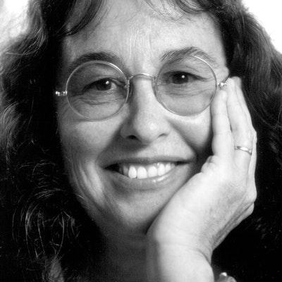 portrait photo of Sue Dengate