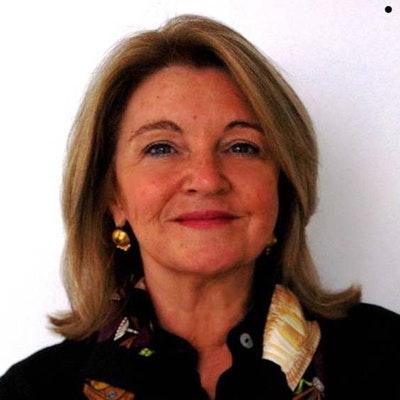portrait photo of Diana Georgeff