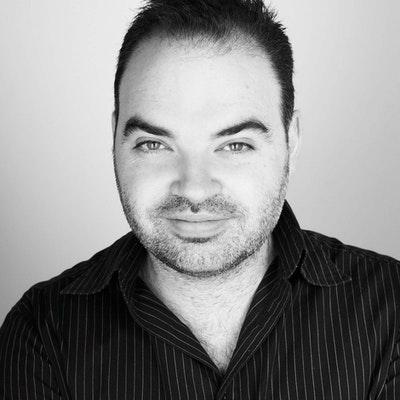 portrait photo of Dominic Knight
