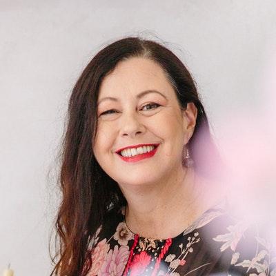 portrait photo of Kate Forsyth
