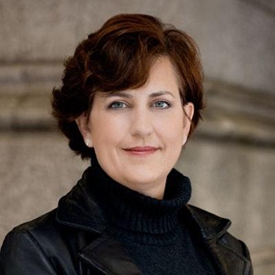 portrait photo of Allison Brennan