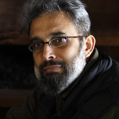 portrait photo of Joydeep Roy-Bhattacharya