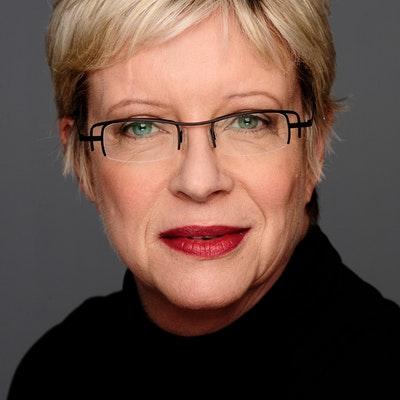 portrait photo of Candice Bruce