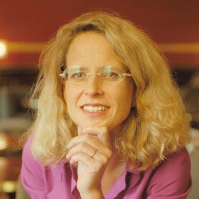portrait photo of Sarah Turnbull