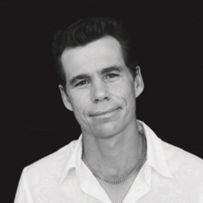 portrait photo of Scott Draper