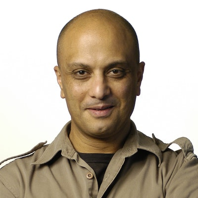 portrait photo of Akmal Saleh