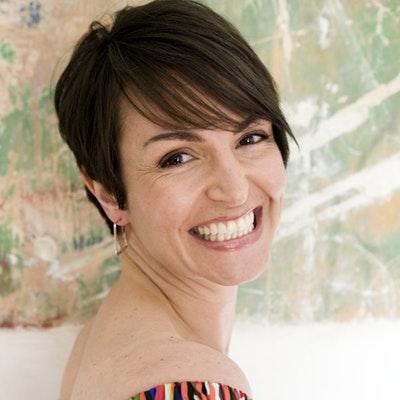 portrait photo of Joanna McMillan