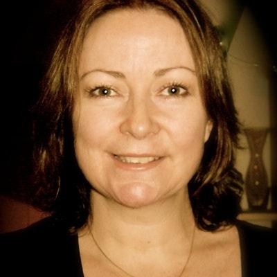 portrait photo of Sandra Lee