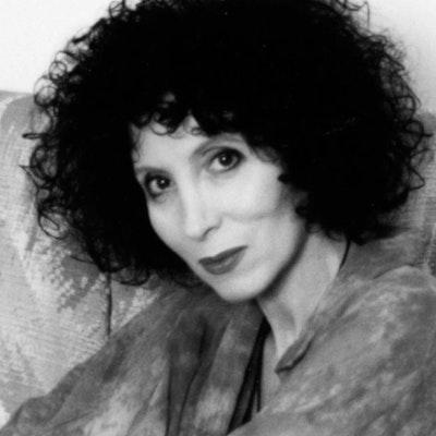 portrait photo of Doris Brett