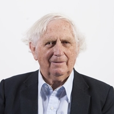 portrait photo of Geoffrey Blainey