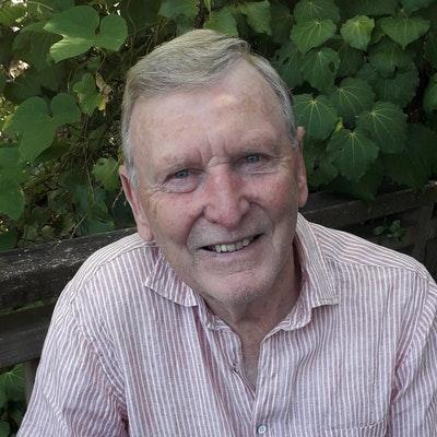 portrait photo of Owen Marshall