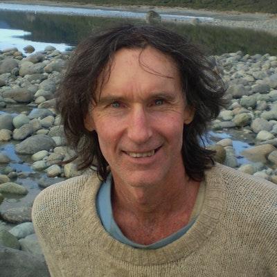 portrait photo of Robert Long