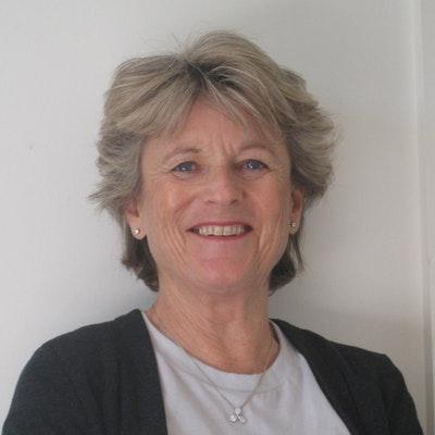 portrait photo of Jenny Carlyon
