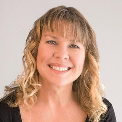 portrait photo of Kim McGregor