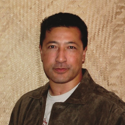 portrait photo of Andrew Fiu
