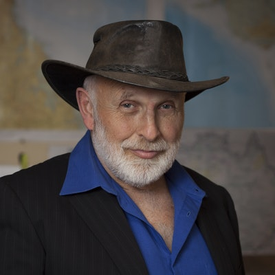 portrait photo of Ken Ring