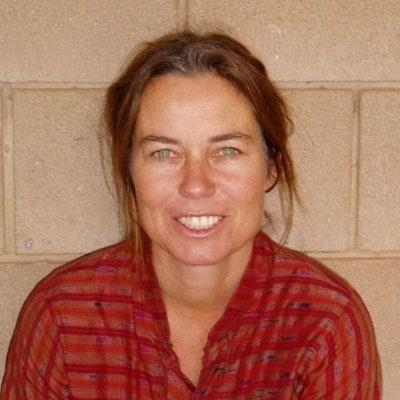 portrait photo of Jo Dutton