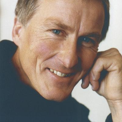 portrait photo of Sam Mahon