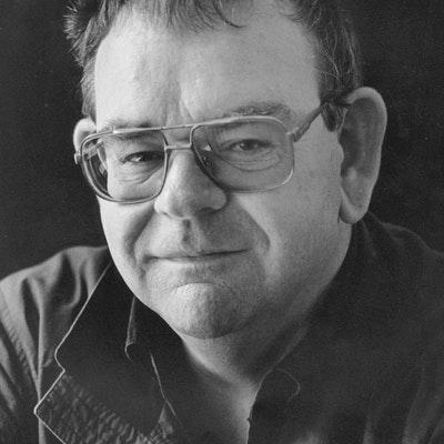 portrait photo of Ken Catran