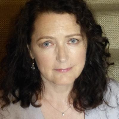 portrait photo of Helen Simpson