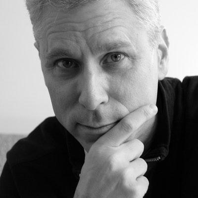portrait photo of Warren Dotz