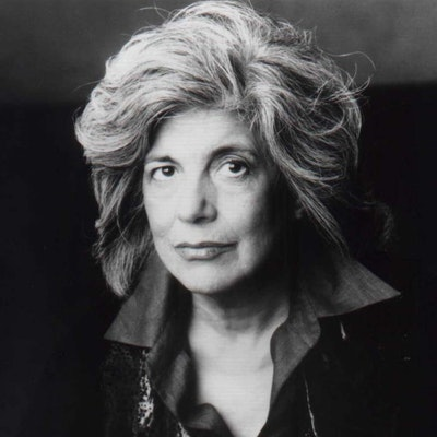 portrait photo of Susan Sontag