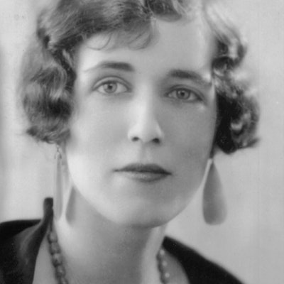portrait photo of Georgette Heyer