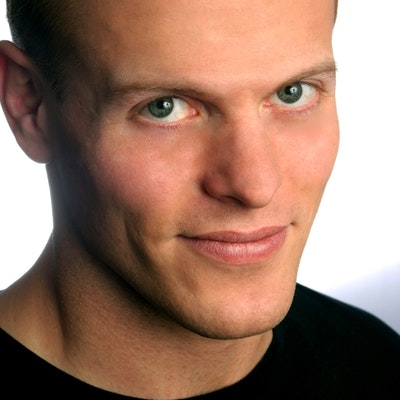 portrait photo of Timothy Ferriss