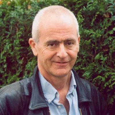 portrait photo of Nick Davies