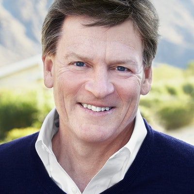 portrait photo of Michael Lewis