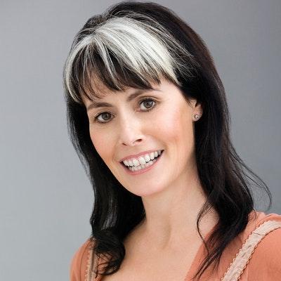 portrait photo of Annah Stretton